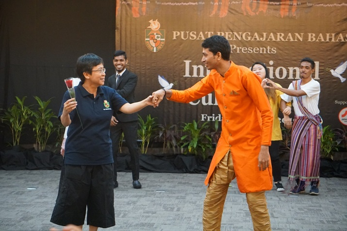 Suasana Intercultural Day (1)