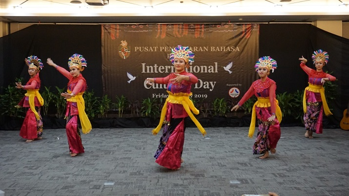 Suasana Intercultural Day (2)